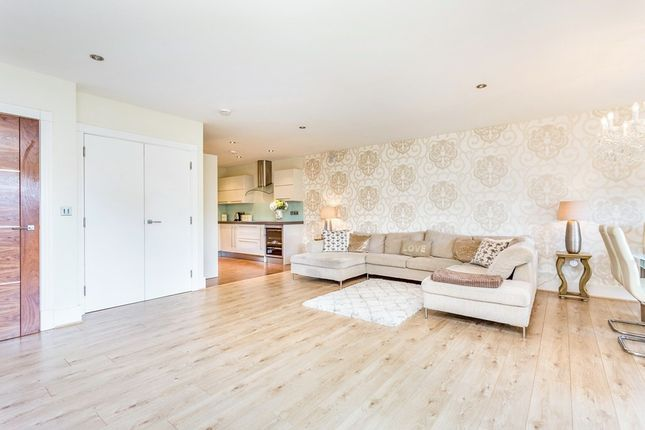 Thumbnail Flat to rent in Manor Hall, Manor Road
