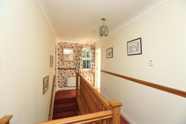 Ab2A0241 of Candish Drive, Elburton, Plymouth PL9