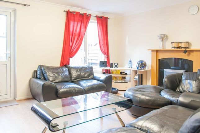 Thumbnail Property to rent in Rectory Square, Stepney Green