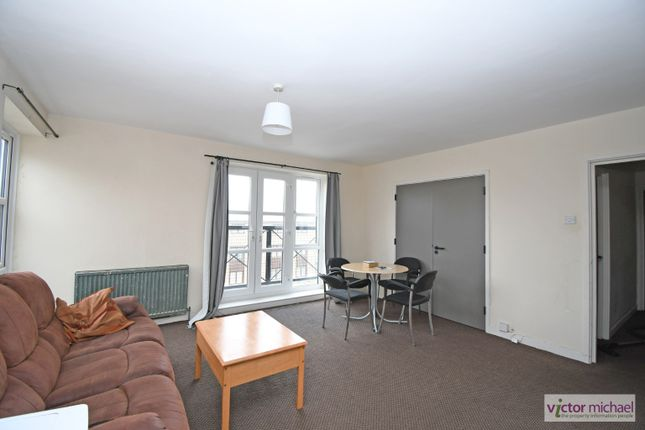 4 bed flat for sale in Alphabet Square, London, Greater London E3