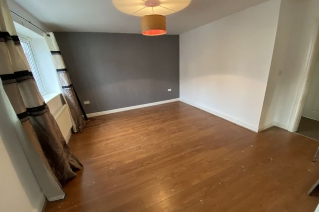 Thumbnail Flat to rent in Cooke Street, Farnworth, Bolton