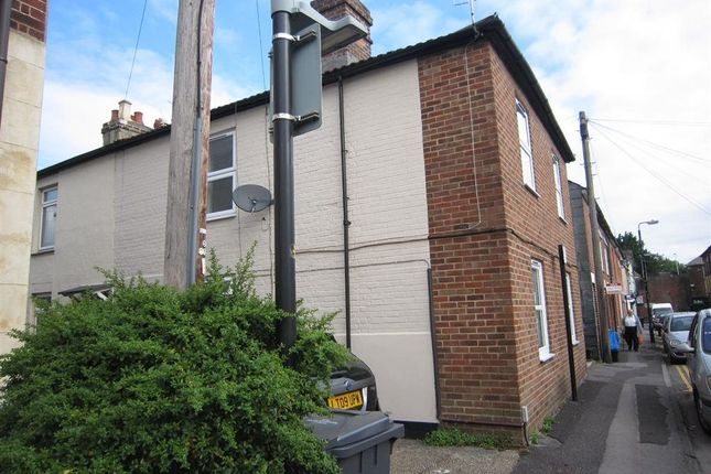 Thumbnail Flat to rent in South Front, Dews Road, Salisbury