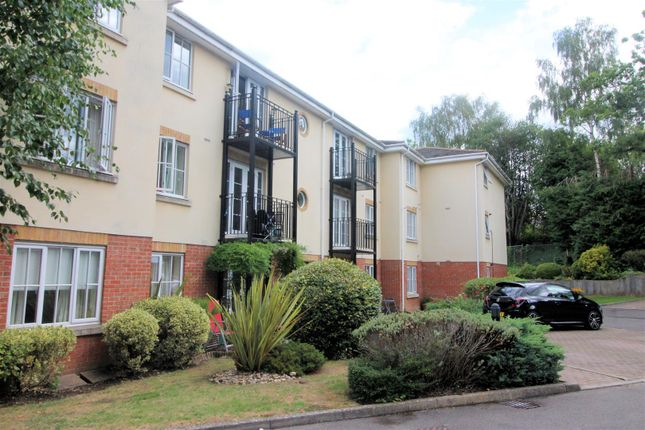 Thumbnail Flat to rent in Copse Road, St. Johns, Woking