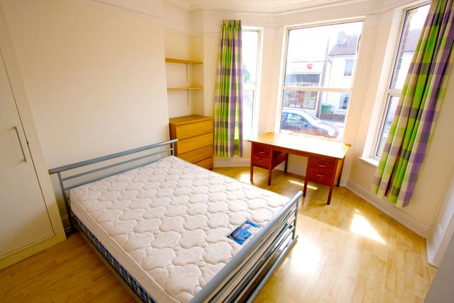 Thumbnail Terraced house to rent in Avenue Road, Southampton