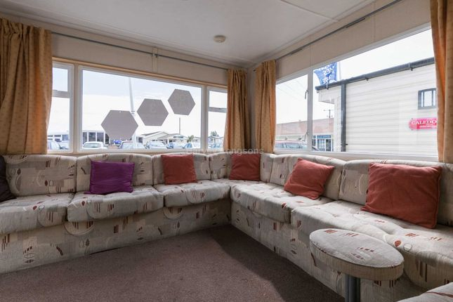 3 bed mobile/park home for sale in Beach Road, St. Osyth, Clacton-On-Sea