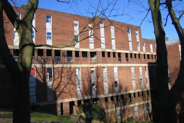 Thumbnail Flat for sale in Downs Road, Luton, Bedfordshire