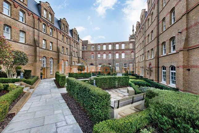 Thumbnail Property for sale in Holborn Close, London