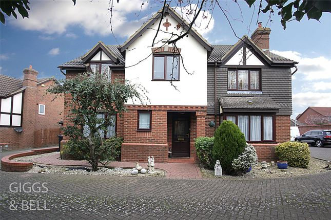 Thumbnail Detached house for sale in Badgers Gate, Dunstable, Bedfordshire