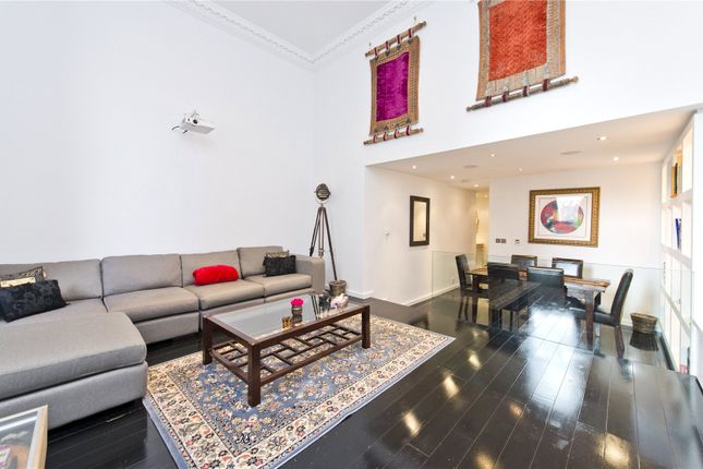 Thumbnail Flat for sale in Vicarage Gate, Kensington