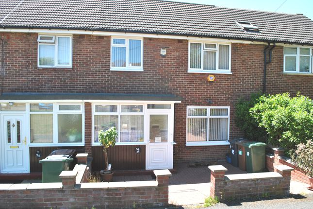 Thumbnail Room to rent in Stamford Close, Potters Bar