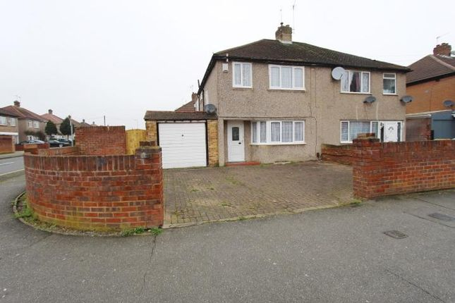 Thumbnail Semi-detached house to rent in Shakespeare Avenue, Hayes, Middlesex