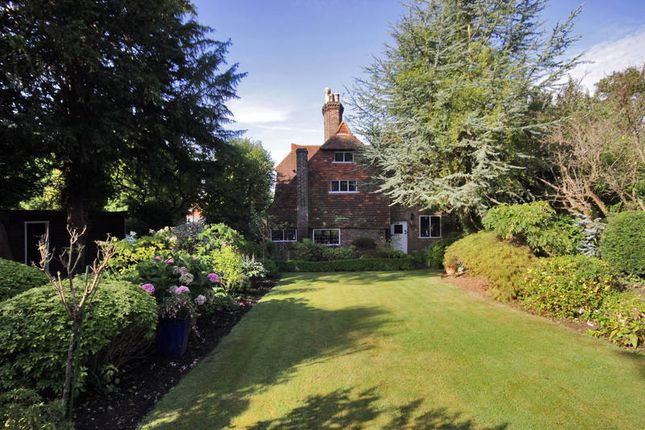 Thumbnail Detached house for sale in London Road, Tunbridge Wells