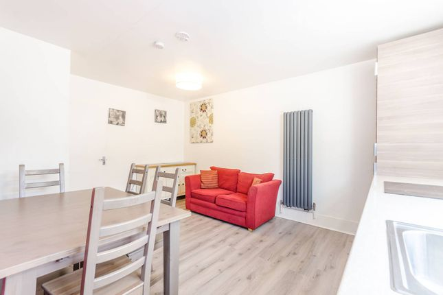 Thumbnail Flat to rent in Westbeech Road, Turnpike Lane N22, Turnpike Lane, London, N226Ht