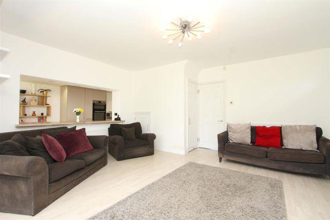 Living Room 1 of Eleanor Grove, Ickenham UB10