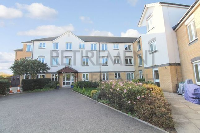 Thumbnail Flat for sale in Cleves Court, Benfleet