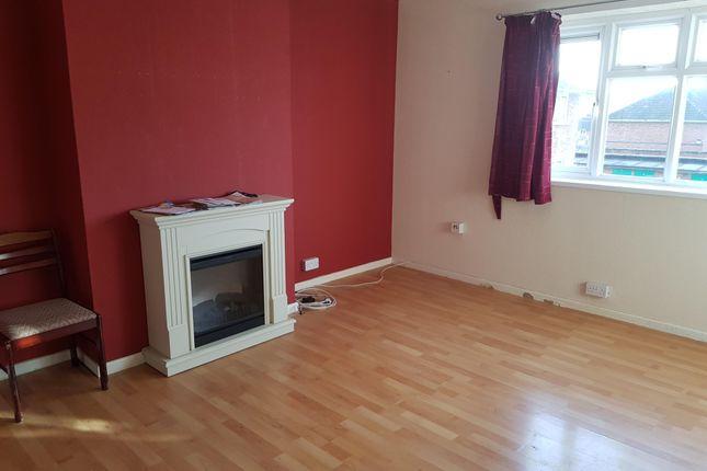 Thumbnail Flat to rent in Warstones Gardens, Wolverhampton