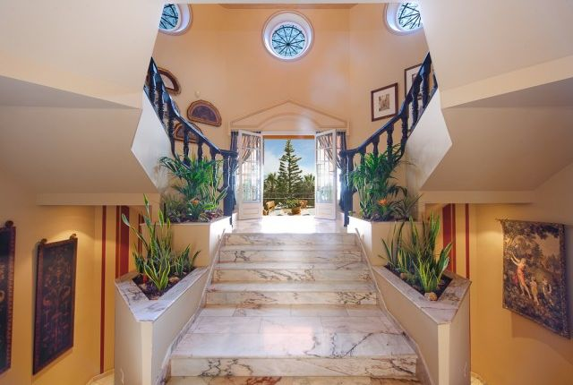 Hallway And Entrance 2