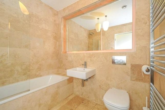 Bathroom of Holmes Road, Kentish Town, London NW5