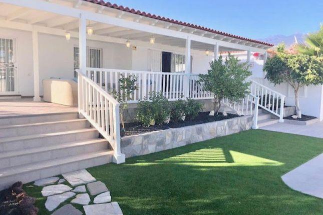 Thumbnail Villa for sale in Callao Salvaje, Suea±O Azul, Spain