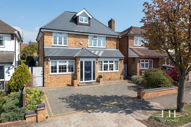 Thumbnail Detached house for sale in Nelwyn Avenue, Hornchurch