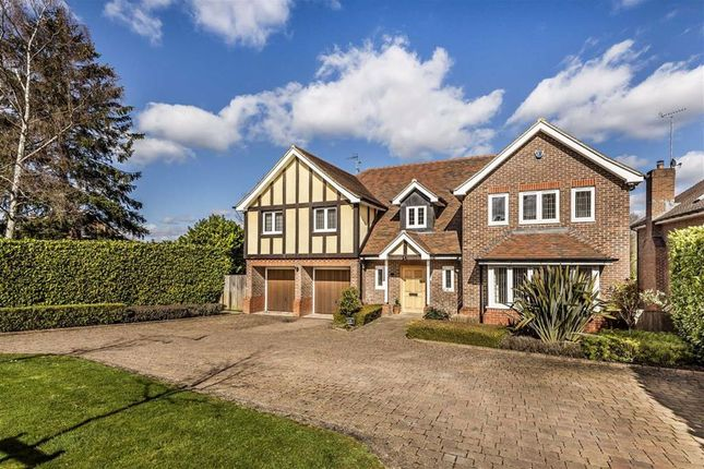 Thumbnail Detached house for sale in The Warren, Radlett, Hertfordshire