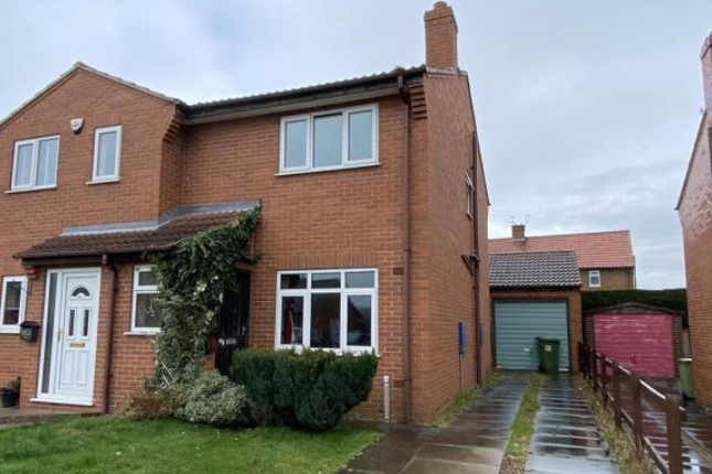 3 bed semi-detached house to rent in Whitby Road, Harworth, Doncaster DN11