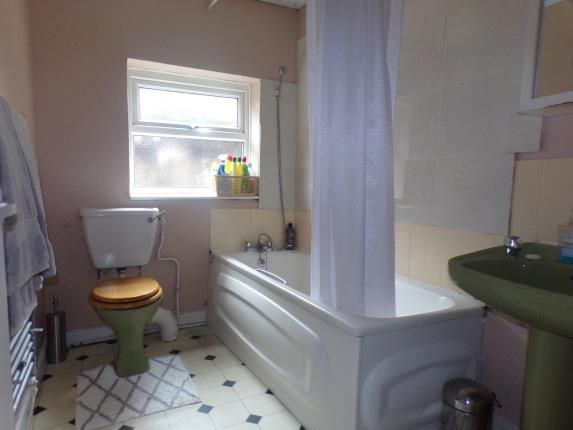 Bathroom of Scorton Street, Liverpool, Merseyside L6