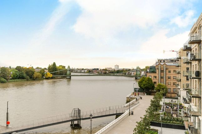 Thumbnail Flat to rent in Fulham Reach, Fulham