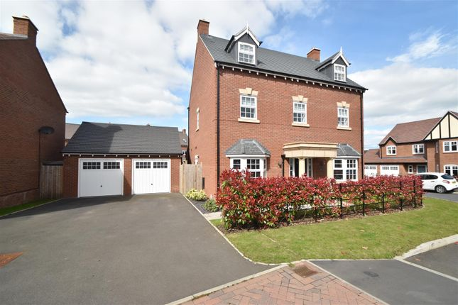 Thumbnail Property for sale in Woodedge Drive, Droitwich