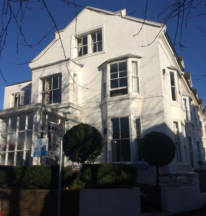 2 bed flat for sale in St Annes Crescent, Lewes