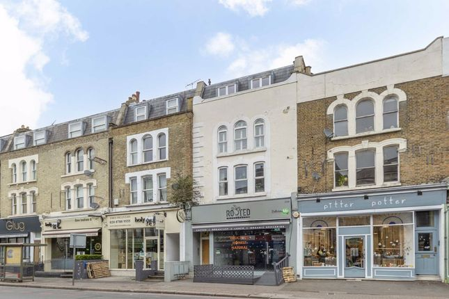 2 bed flat for sale in Upper Richmond Road, London SW15