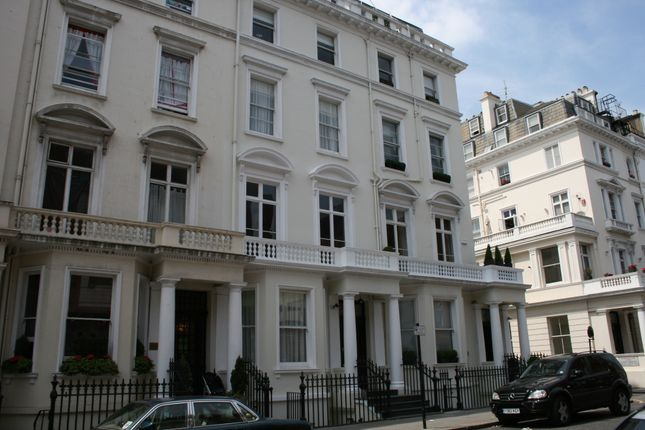 Thumbnail Town house for sale in Queensberry Place, South Kensington, London