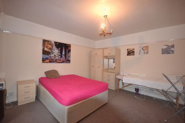 Thumbnail Terraced house to rent in Westward Road, London