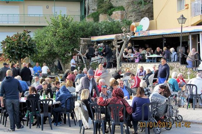 Thumbnail Pub/bar for sale in Costa Del Sol 29640, Fuengirola, Málaga, Andalusia, Spain