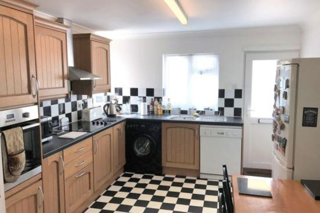 Thumbnail Maisonette for sale in Staines Road, Bedfont