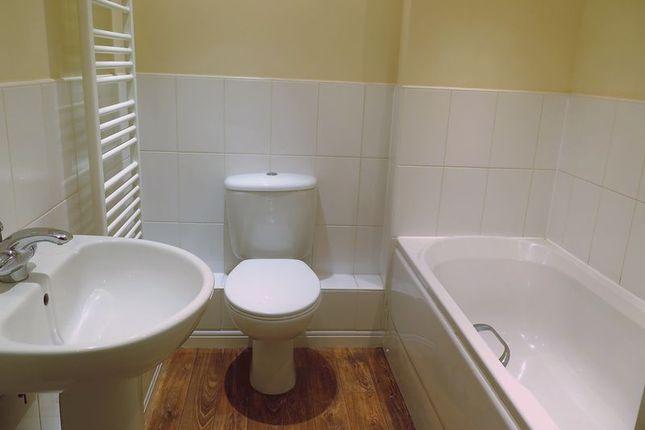 Bathroom of Britannia Road, Banbury OX16