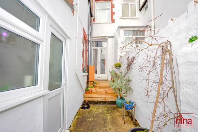 _Dsc0502 of Maes-Y-Cwm Street, Barry CF63