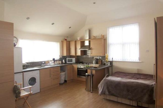Flat to rent in West Road, Shoeburyness