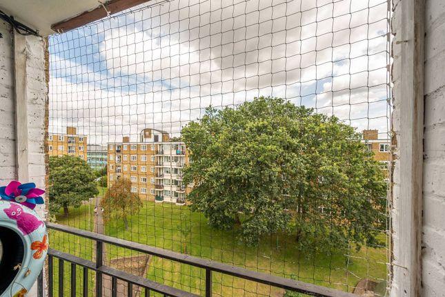 Thumbnail Flat to rent in Hayward Gardens, Putney Heath, London