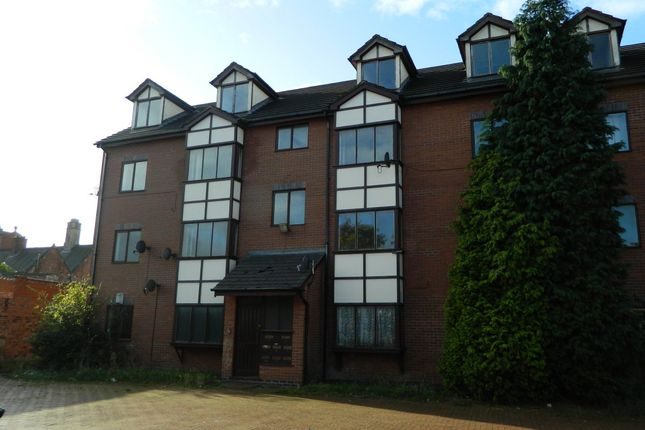 2 bed flat to rent in Langdale Avenue, Levenshulme, Manchester