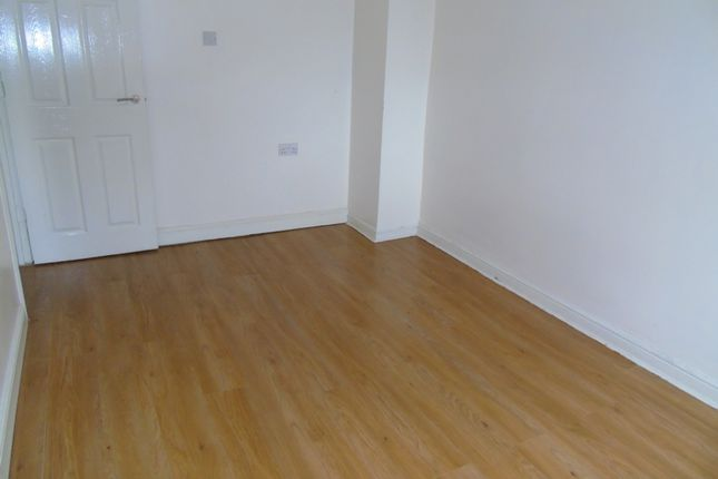 Thumbnail Flat to rent in Market Street, Clay Cross, Chesterfield