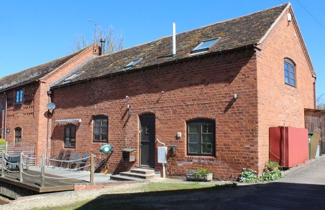 3 bed barn conversion to rent in Shelsley Beauchamp, Worcester WR6