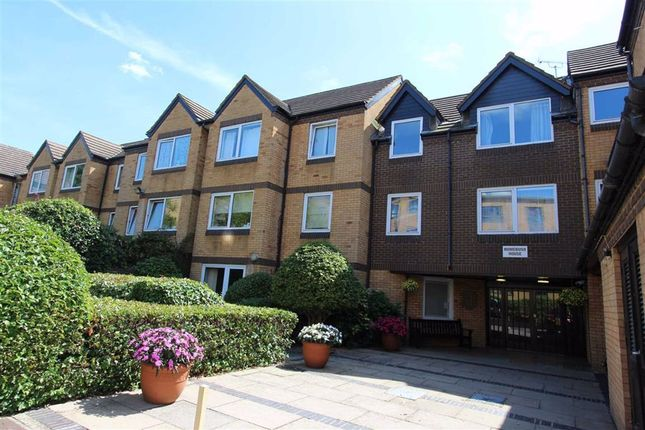 Thumbnail Flat for sale in Homebush House, North Chingford, London