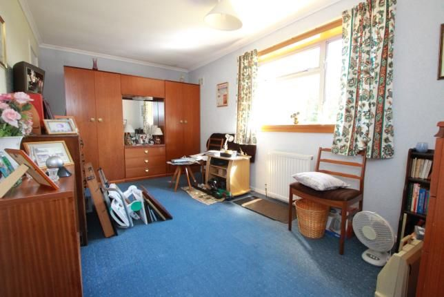 Bedroom of Lundin Crescent, Glenrothes, Fife KY7