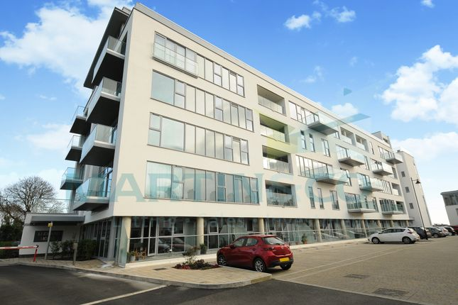 Thumbnail Flat to rent in Discovery Road, Leeward House, Mount Wise, Plymouth
