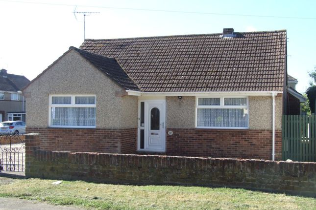 Thumbnail Bungalow to rent in Stallpits Road, Shrivenham, Swindon