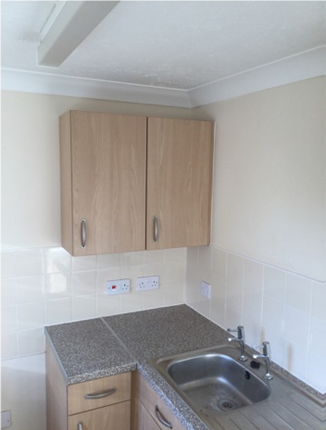 Thumbnail Flat to rent in Marlborough Court, Vicars Cross Road, Chester