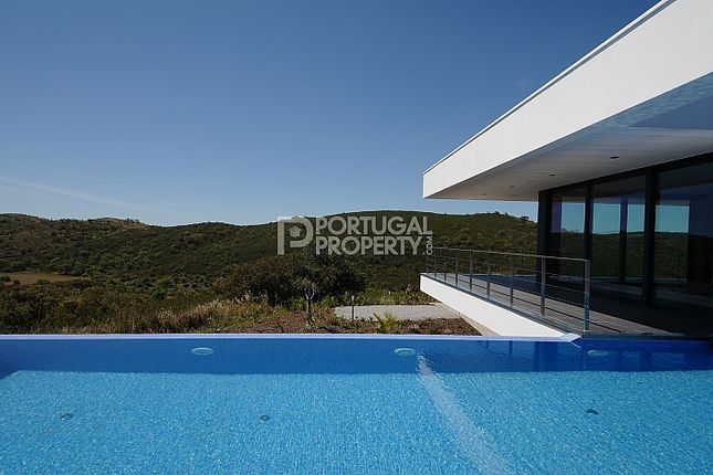Thumbnail Villa for sale in Bensafrim, Algarve, Portugal