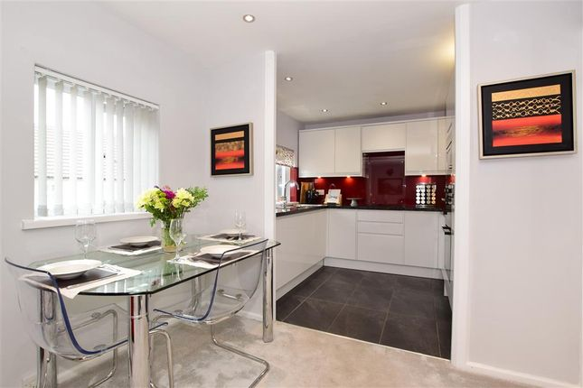 Thumbnail Flat for sale in Crouch Street, Basildon, Essex