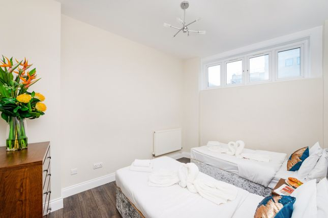 Thumbnail Shared accommodation to rent in 28 Barclay Road, Croydon, Surrey
